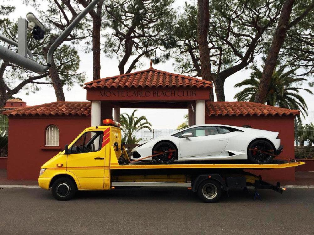 Ekskluzīvas automašīnas transportēšana