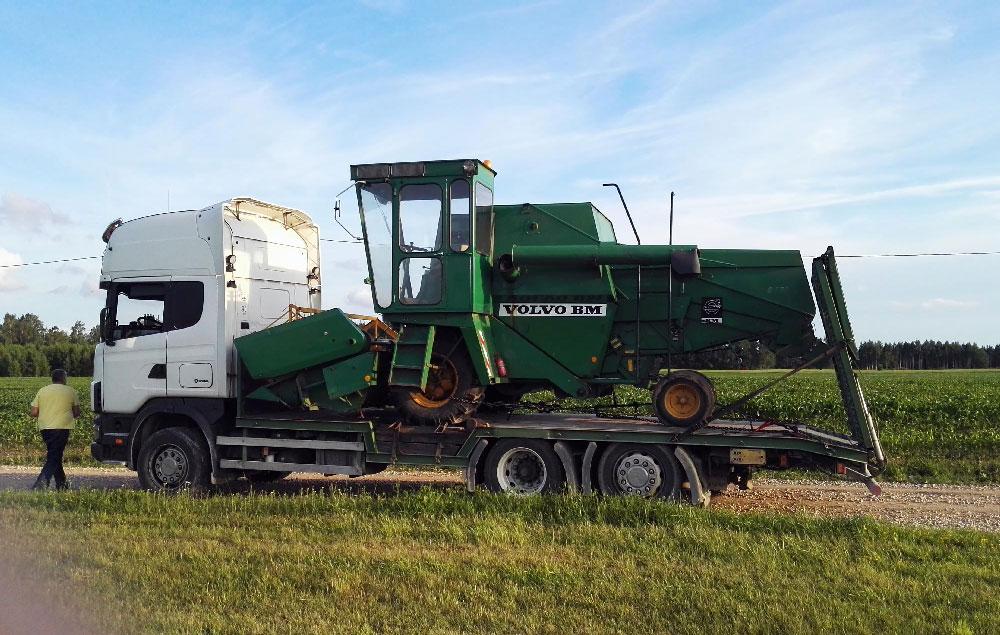 Kombaina transportēšana Latvijā